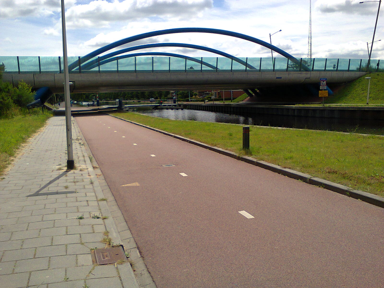 Canalside cycle path in Assen