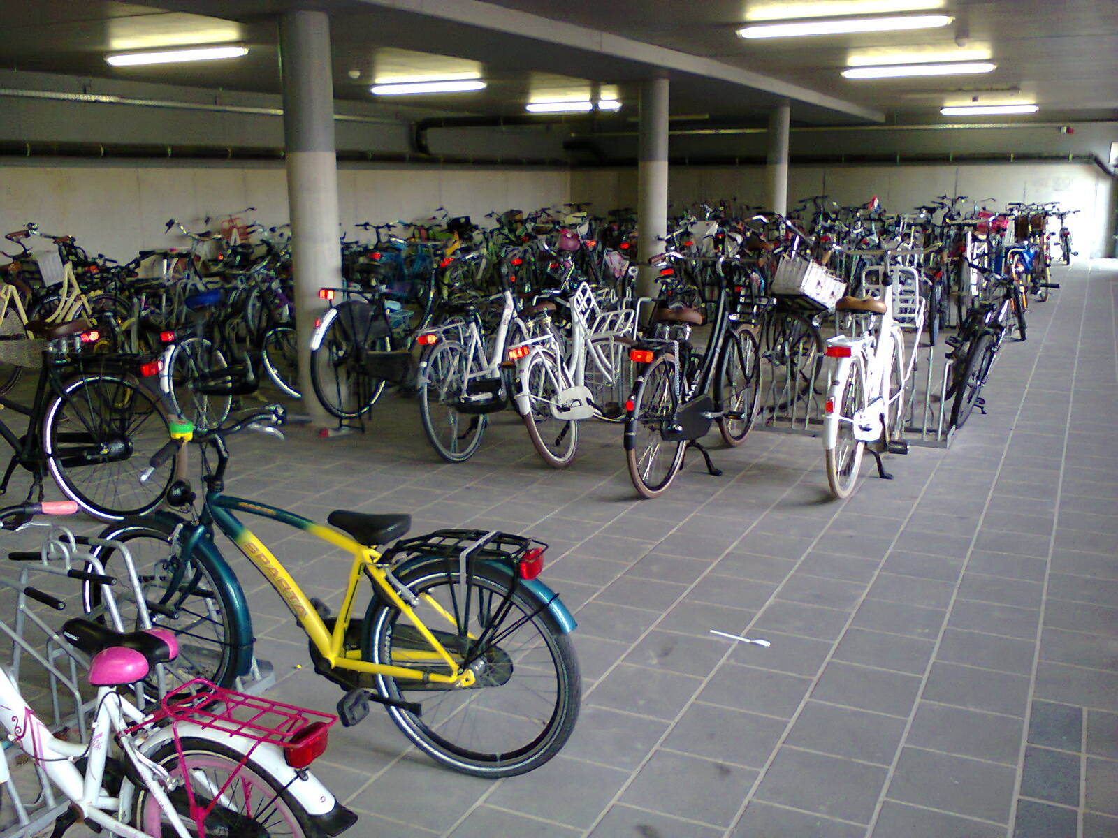School cycle parking in Assen