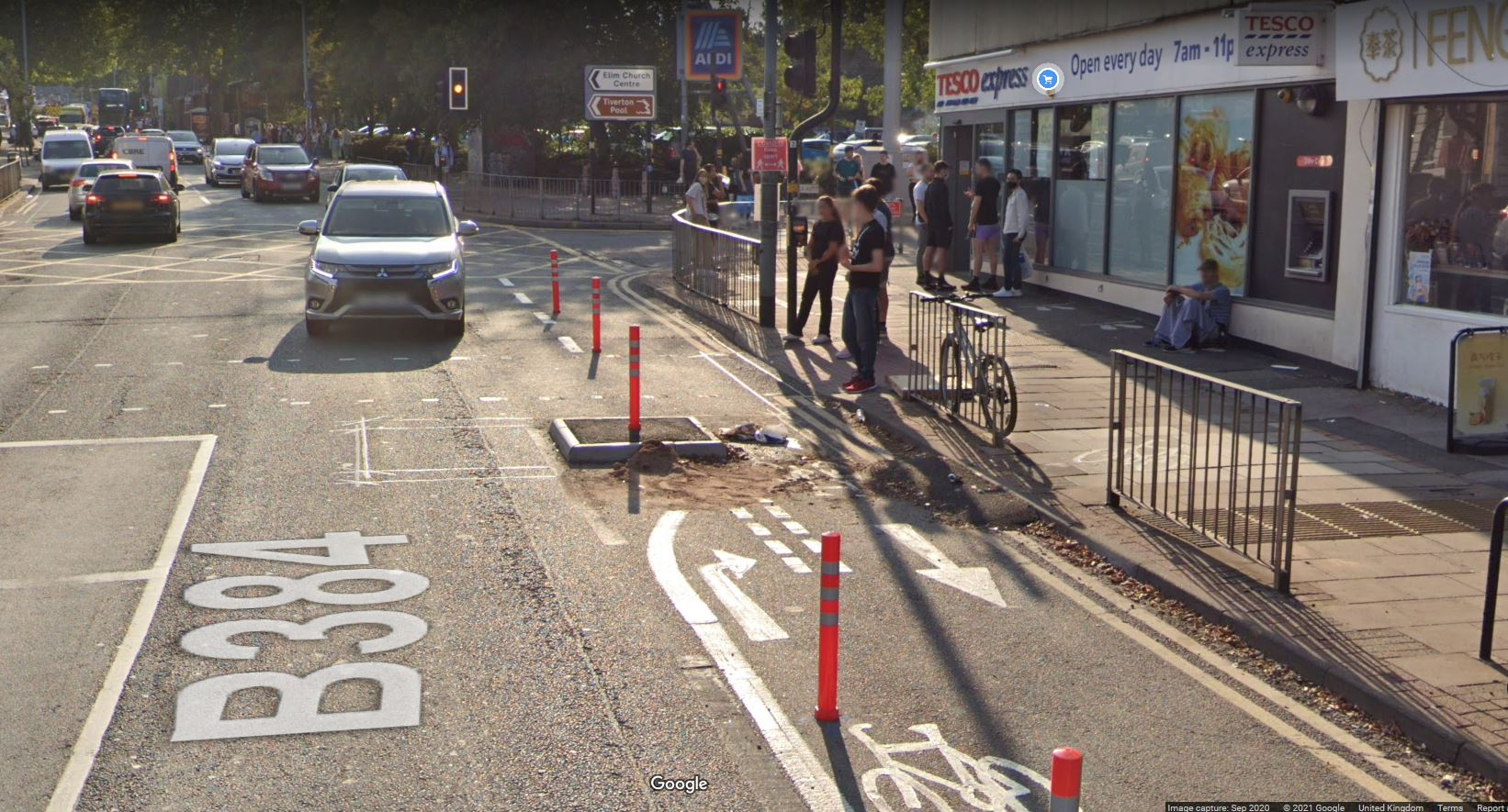 Pop-up cycle lane at Dale Road