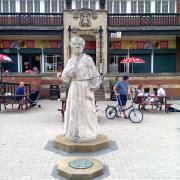 Cardinal Wolsey in Abbey Park